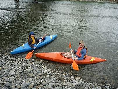 2011-11-26 14.18.12 P1020978 Simon Morison Bush Kayaks in Waiohine.jpeg: 4000x3000, 6896k (2011 Nov 26 01:18)