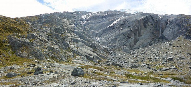 2019-01-16 16.07.12 Panorama Simon - Murdock Creek draining the McCullaugh Glacier_stitch.jpg: 7322x3336, 24302k (2019 Jun 20 09:11)