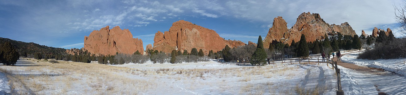 2014-02-08 14.42.00 Panorama Simon - Garden of the Gods_stitch.jpg: 11954x2807, 4048k (2014 Sep 04 08:13)