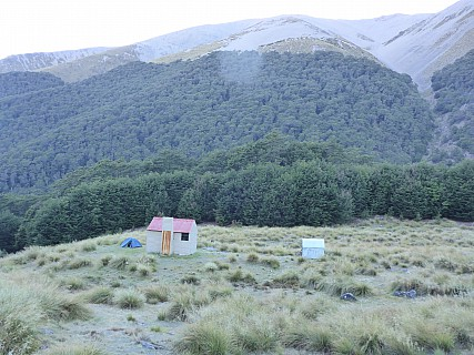 2016-01-06 07.58.10 P1000334 Simon - Maitland Hut.jpeg: 4608x3456, 6640k (2016 Jan 05 18:58)