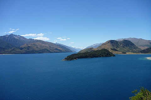 2016-01-10 15.25.14 P1040193 Philip - view up Lake Hawea.jpeg: 4320x2880, 4898k (2016 Jan 10 02:25)