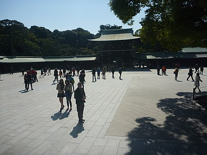 2016-03-03 11.03.52 P1020420 Adrian - Simon outside Meiji Shrine Main Hall.jpeg: 4000x3000, 5186k (2016 Mar 07 09:35)