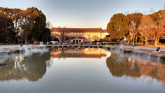 2017-01-11 16.09.18 IMG_20170111_160917533_HDR Simon - Grand Fountain and Tokyo National Museum.jpeg: 4160x2340, 1731k (2017 Jan 11 08:22)