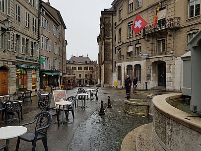 2018-01-20 14.11.27 Jim - Simon at Place du Bourg-de-Four.jpeg: 4032x3024, 5232k (2018 Mar 10 04:13)
