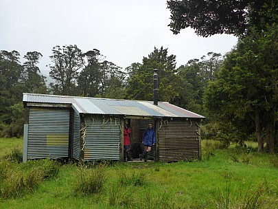 2019-01-13 11.07.46 P1020371 Simon - Bruce and Jim at Condon Hut.jpeg: 4608x3456, 6202k (2019 Jun 20 09:11)
