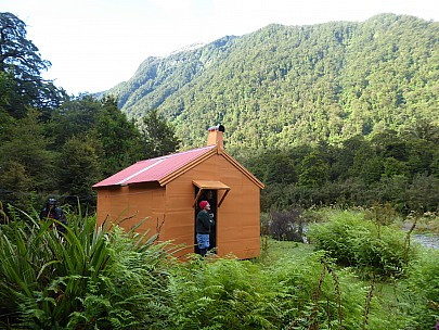 2019-01-13 18.58.17 P1010527 Brian - Philip and Jim at Tunnel Creek Hut.jpeg: 4000x3000, 5134k (2019 Jun 24 09:09)