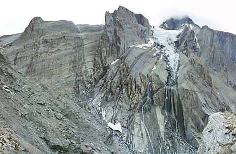2019-01-17 13.51.00 Panorama Simon - icefall off Mt Hooker_stitch.jpg: 7298x4785, 31950k (2019 Jun 20 09:11)