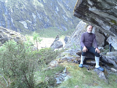 2019-01-17 17.15.52 DSC02577 Alan - Simon at Marks Flat rock biv.jpeg: 5152x3864, 8028k (2019 Jun 20 08:42)
