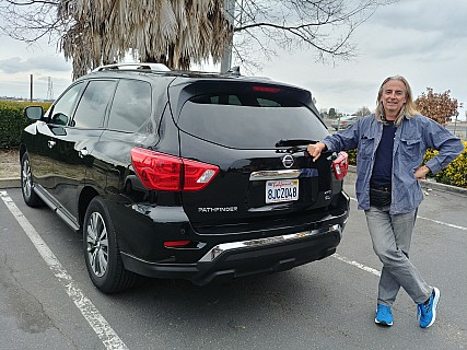 2019-02-24_15.24.05_HDR LG6 Simon - Jim and our Nissan Pathfinder at Sacramento North.jpeg: 4160x3120, 5423k (2019 Feb 27 05:18)