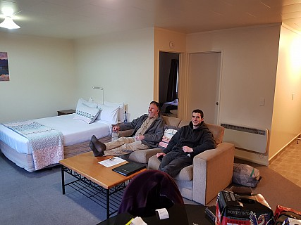 2020-08-01 17.41.17 GS8 Jim - Simon and Adrian in our motel.jpeg: 4032x3024, 2358k (2020 Dec 11 00:41)