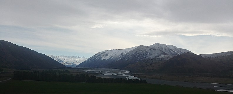 2020-09-04 14.24.52_HDR LG6 Simon - Rangitata view from Rangitata Gorge road_cr.jpg: 4160x1678, 1900k (2020 Nov 07 05:29)