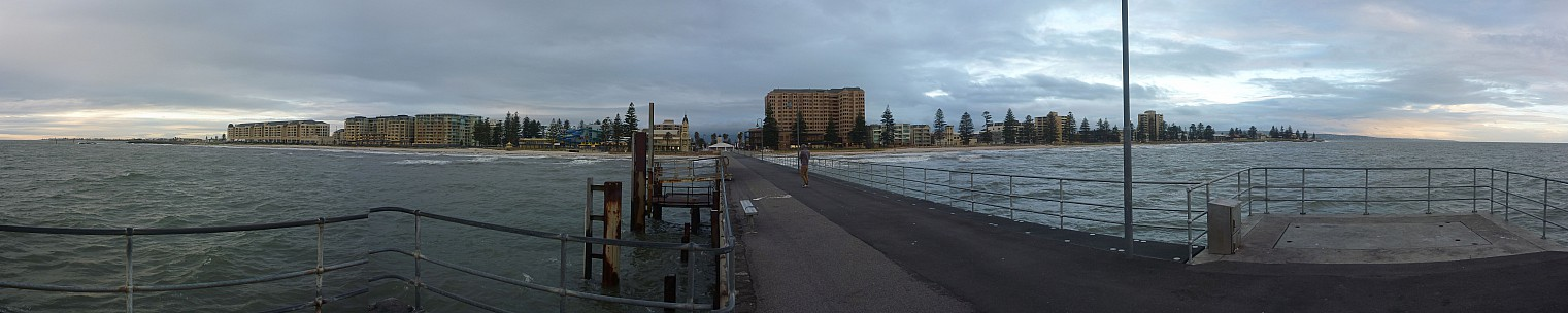 2014-07-11 16.49.00 Panorama Simon - Glenelg Beach from Pier_stitch.jpg: 13540x2707, 3281k (2014 Aug 09 04:49)