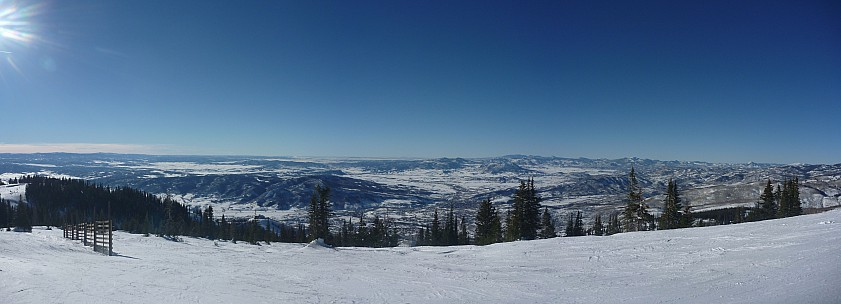 2014-01-25 15.11.00 Panorama Simon - Storm Peak View_stitch.jpg: 7599x2747, 1730k (2014 Feb 18 07:22)