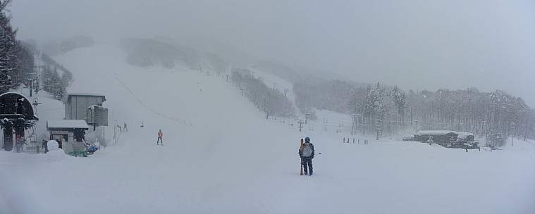 2015-02-10 10.25.40 Panorama Simon - Paradise lift_stitch.jpg: 6778x2713, 1992k (2015 Mar 04 09:21)