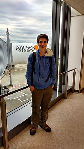 2016-02-22 08.02.38 IMG_20160222_120238071_HDR Simon - Adrian fresh off plane.jpeg: 2340x4160, 2577k (2016 Feb 21 23:06)