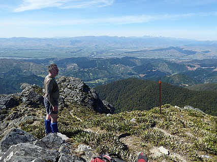2017-12-03 08.59.12 P1010054 Brian - Simon and Wairau view from Mt Riley.jpeg: 4000x3000, 4866k (2020 Apr 06 09:36)