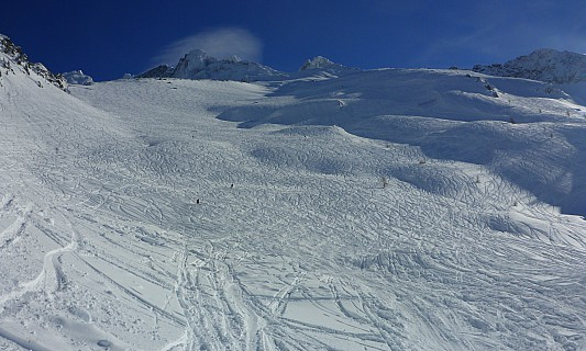 2018-01-23 13.55.13 Panorama Simon - view up Chamois bowl_stitch.jpg: 4837x2906, 13679k (2019 Aug 16 23:34)