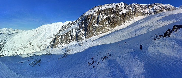 2018-01-23 14.22.35 Panorama Simon - view at top of La Herse_stitch.jpg: 10749x4637, 45714k (2019 Aug 17 01:13)